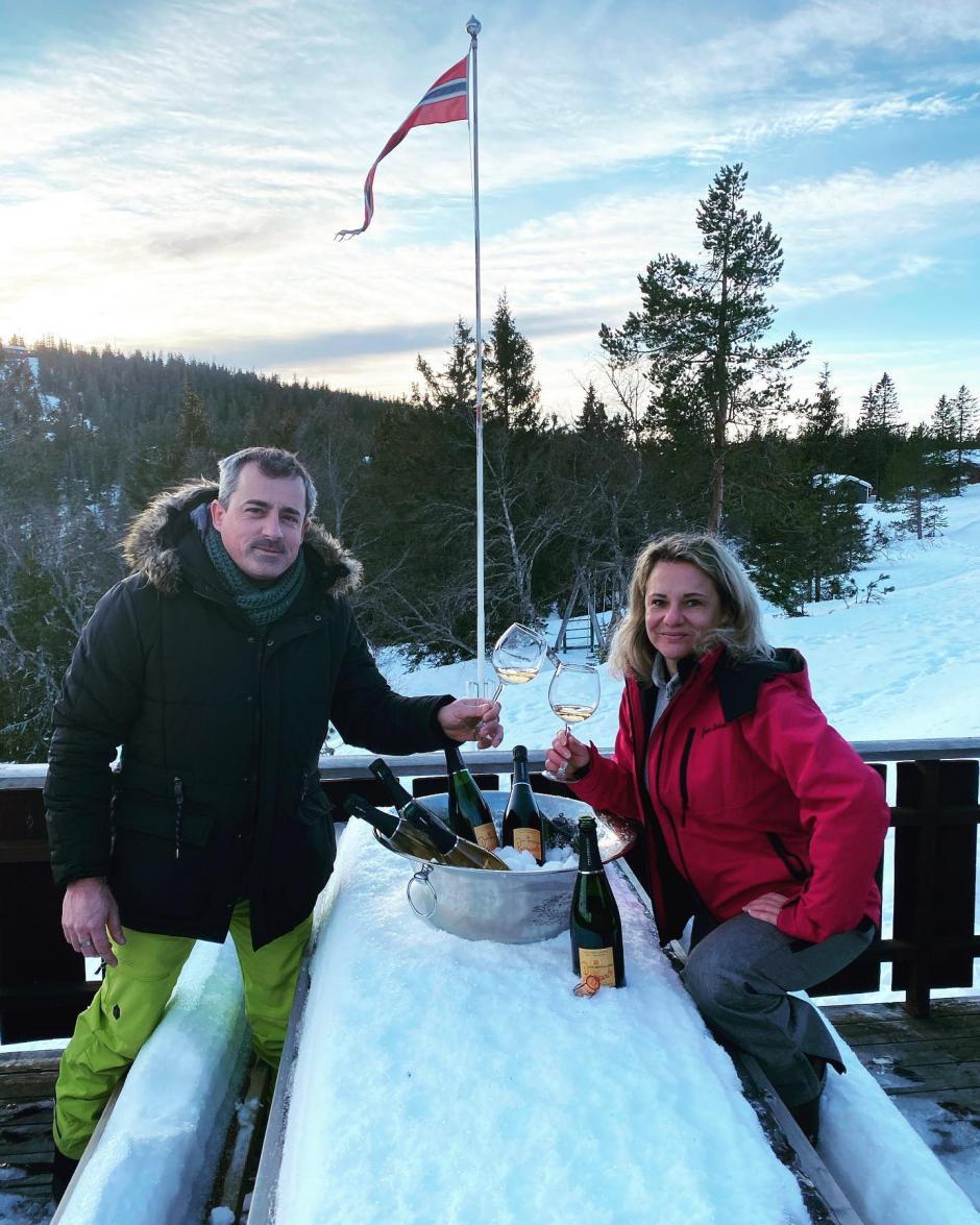 Christine et Vincent champagne en Norvège 2020